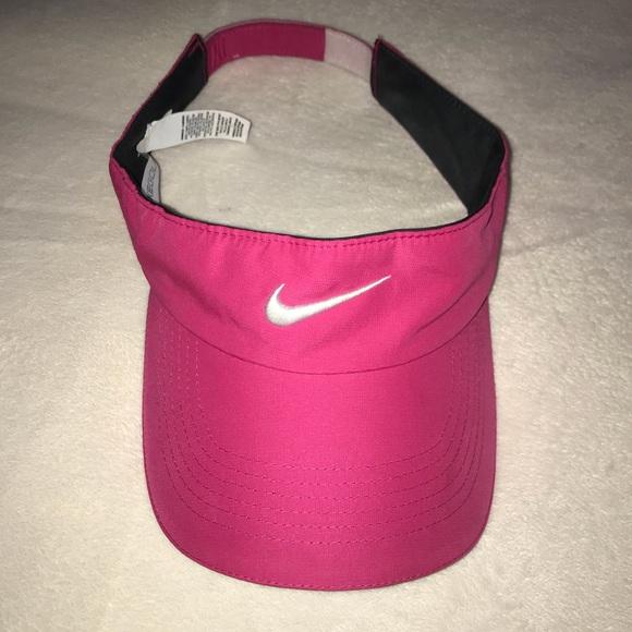 Nike Golf Ladies Visor. M 5a5448333a112edfe303fdf7 e92ea42d813